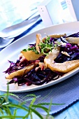 Red cabbage salad with fried apples