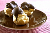 Profiteroles mit Schokoladenguss