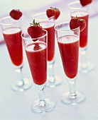 Strawberry sorbet with champagne