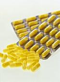 Slow-release vitamin C capsules
