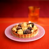 Apple and blackberry tartlet