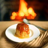 Semolina pudding with warm honey sauce