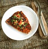 Bistecca di tonno al sugo piccante (Tuna steak with sauce)