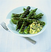 Barbecued green asparagus with egg sauce