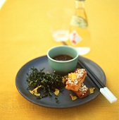 Deep-fried ginger and seaweed with toast and soy sauce