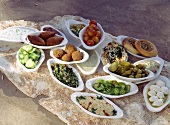 Mezze board (assorted Middle Eastern appetisers)
