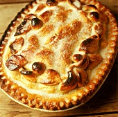 Shortcrust pastry pie with sugar