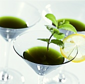 Apotheke: drink with mint liqueur as hangover cure