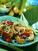 Deep-fried fish with vegetables and banana (Cuba)