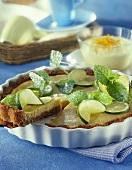 Lime pie with lemon balm