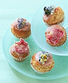 Mini-muffins with sugared flowers