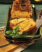 Tomaten-Mozzarella-Kuchen mit Basilikum