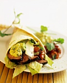 Fajitas with beef and avocado cream