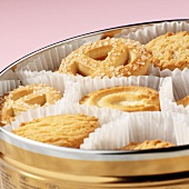 Butter biscuits in a tin