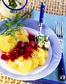 Potato salad with beetroot and remoulade sauce