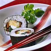 Futo maki with shrimps, omelette and mushrooms