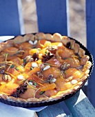 Apricot tart with dried fruit