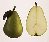 A whole pear and half a pear (Gellerts Butterbirne)