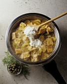 Cucumber and turkey ragout with creamy yoghurt