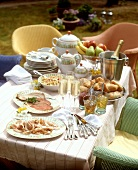 Champagne breakfast in the open air