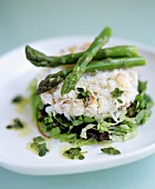Crabmeat with green asparagus