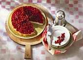 Redcurrant cake with ricotta and yoghurt cream