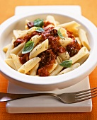 Pasta with tomato sauce & capers