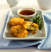 Fish cakes with tomato dip