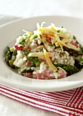 Asparagus and ham risotto with cheese