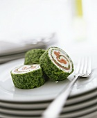 Smoked salmon roll with spinach