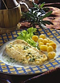 Cod fillet in bread crust, with potatoes