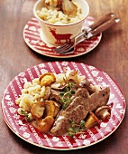 Venison escalope with cream sauce, mushrooms & noodles (Swiss)