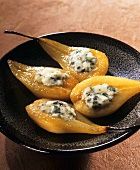 Baked pears with Roquefort and honey