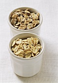 Various cereal flakes (oat, rye)