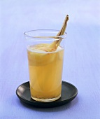 Hot apple punch with lemon grass