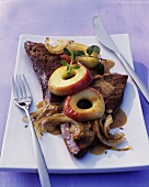 Calf's liver with apples and onions