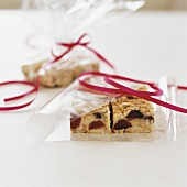 Cherry crumble slices, packed in cellophane