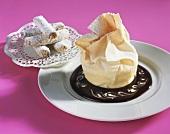 Cream strudel with gianduja sauce