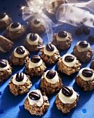 Mocha and chocolate macaroons for Christmas