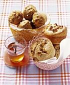 Walnut muffins with honey