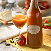 Tomato and pepper juice