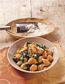 Gnocchi di zucca agli spinaci (pumpkin gnocchi with spinach)