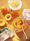 Apricots, pickled in wine vinegar