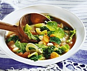 Bean and savoy cabbage stew with carrots