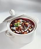 Borschtsch im Suppentopf
