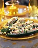 Gefüllte Gurken mit Fischtatar und Zitronenconfit