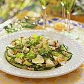 Courgette salad with mozzarella and mint