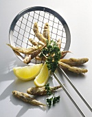 Fritto di latterini (Deep-fried sand smelts with lemon)