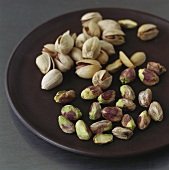 Pistachios, shelled and unshelled