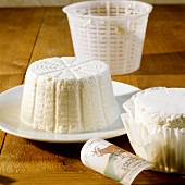 Ricotta (Soft cheese made from sheep's or cow's milk)
